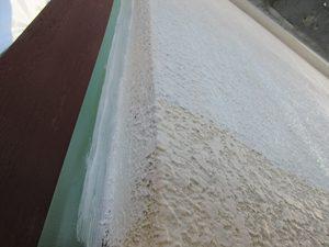 吸込み止めをモルタル外壁は必ず塗布する